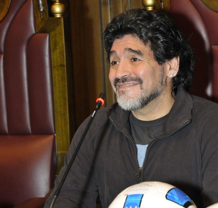 bigstock-Diego-Maradona-15491402.jpg?q=50&fit=crop&w=738&h=702